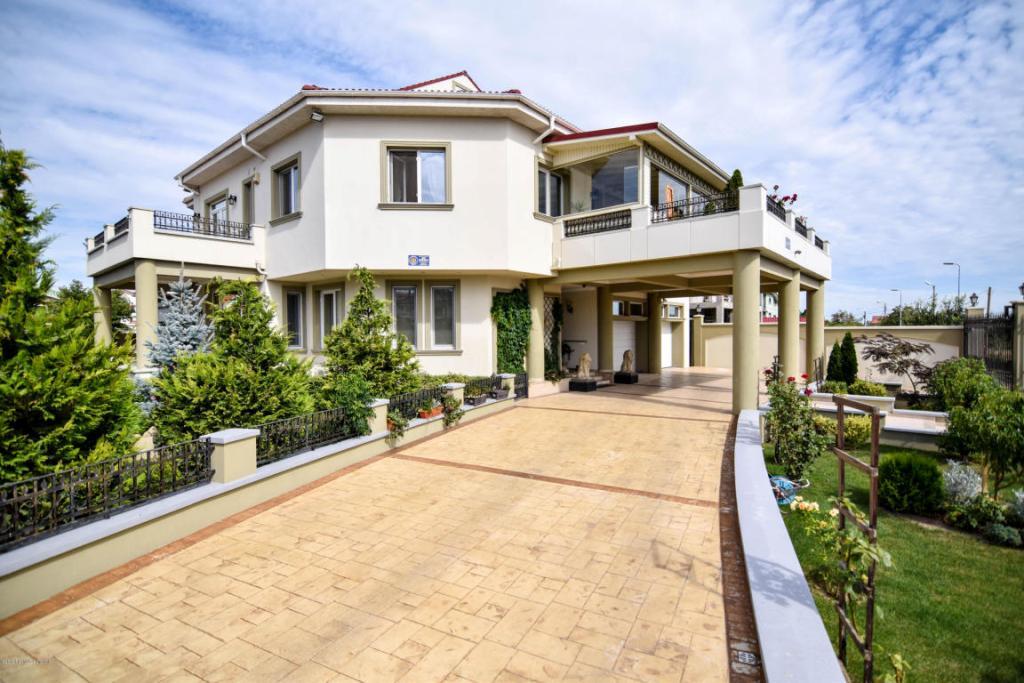 Vandut Casa 700 m² - Tomis 2, Constanta
