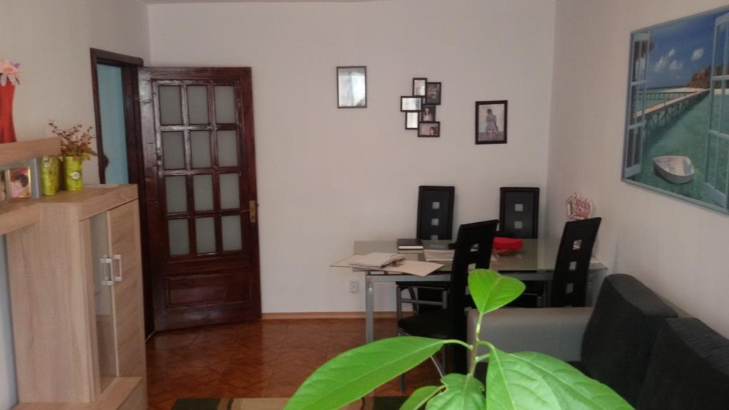 Vandut Apartament 4 camere - Trust, Cernavoda